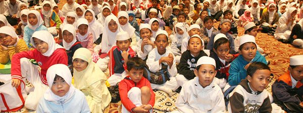 Anak-yatim-dalam-islam