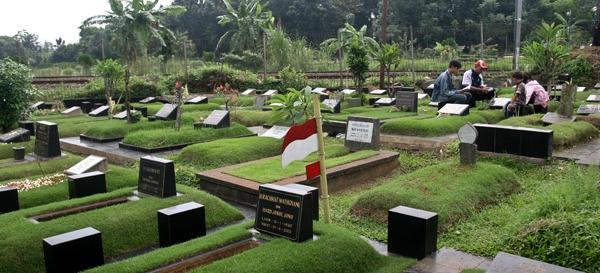 kuburan2