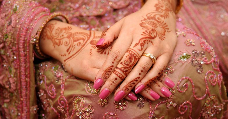 bride-hands.jpg.image.784.410