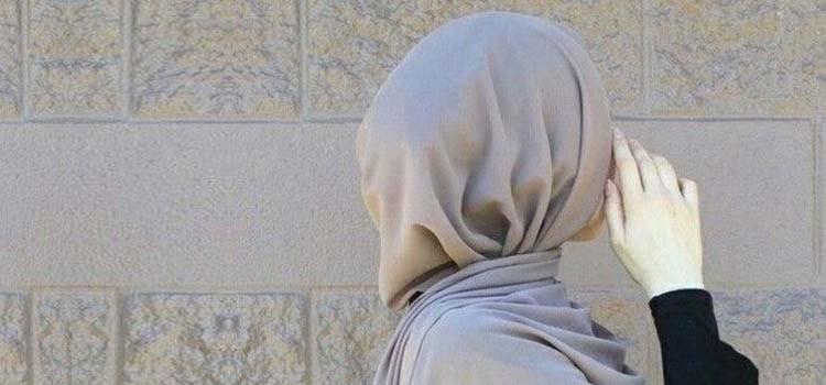 wanita-muslimah-tembok-