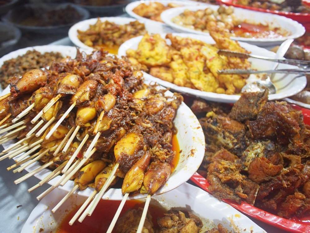 Ilustrasi-makanan-yang-biasa-dikonsumsi-masyarakat-Indonesia-1